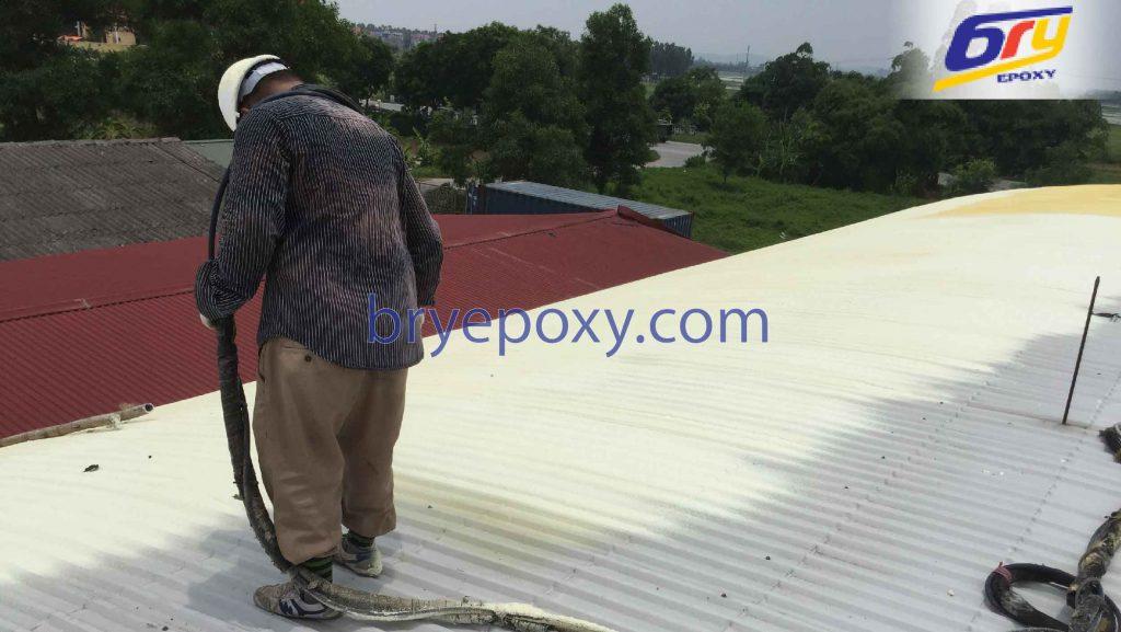 Thi công PU Foam chống nóng nhà máy nguyên liệu may ở Bắc Ninh